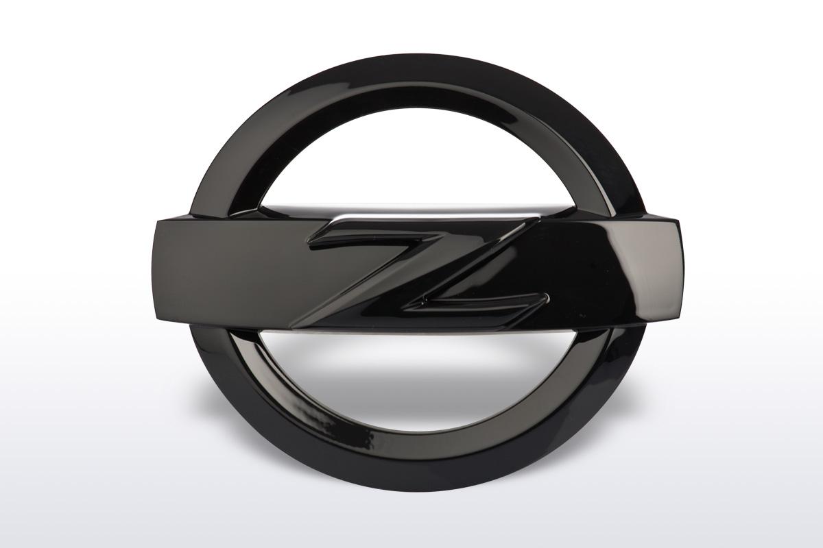 nissan 370z emblem schwarz ctd germany nissan. Black Bedroom Furniture Sets. Home Design Ideas